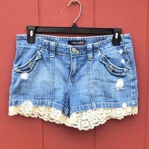 Levi's Denim Shorts With Lace Hems size 7
